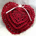 Саше из вязаных сердечек