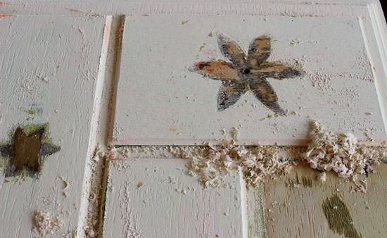 Зачистка мебели от краски