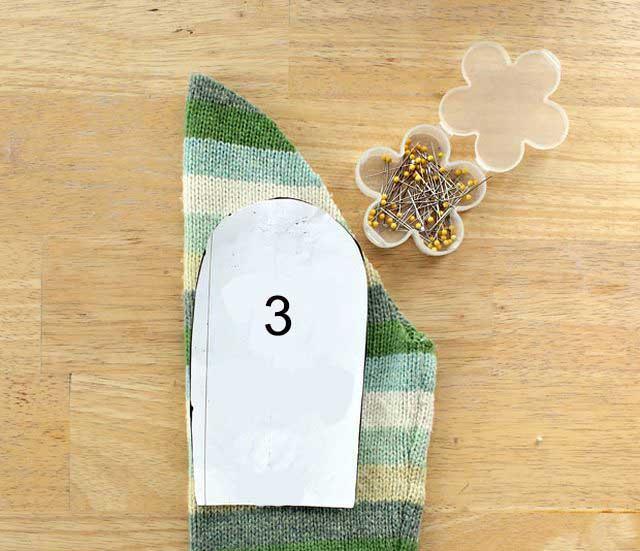 Варежки из свалянного свитера