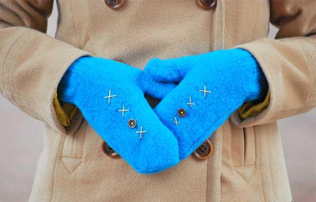 рукавицы из свитера