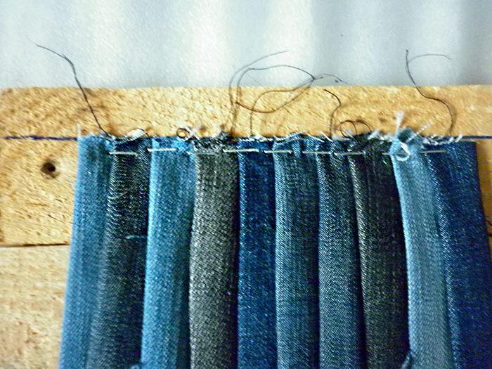 ковер из джинсов